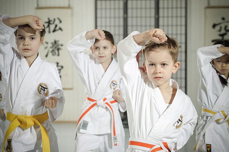karate f r kinder von 6 bis 9 jahre in achim oyten und. Black Bedroom Furniture Sets. Home Design Ideas